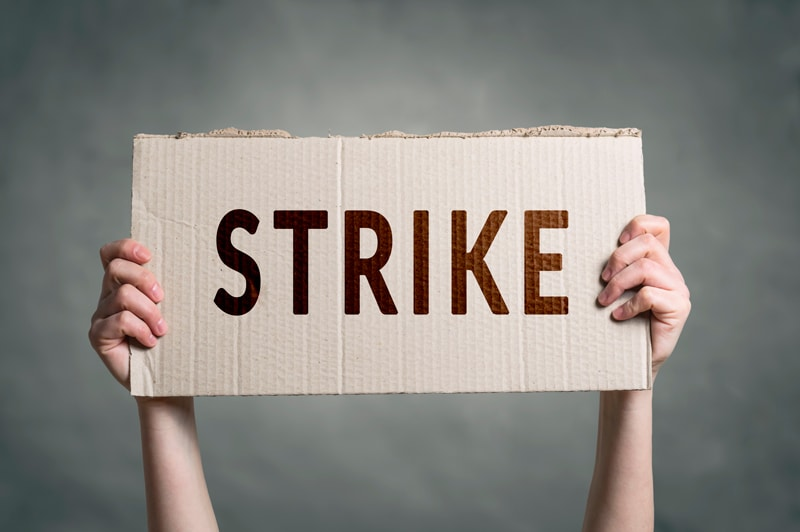 700 Employees at Pearson International Airport Go On Strike